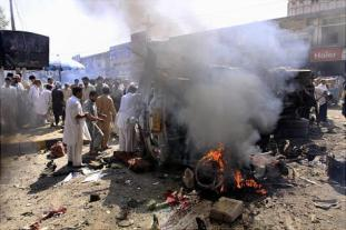 alg-pakistan-bombing-crowds-jpg