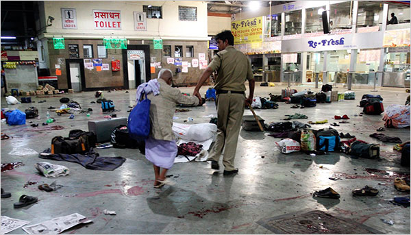 old-woman-after-mumbai-terrorist-attacks