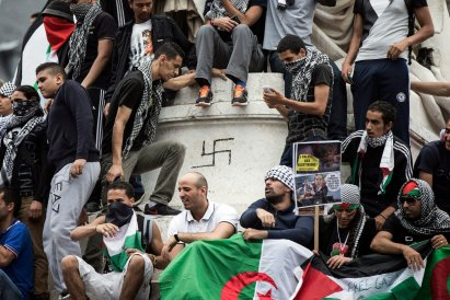 Anti-Israel-Paris-Protesters