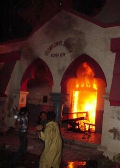 capt.suk10202191531.pakistan_church_burning_suk102
