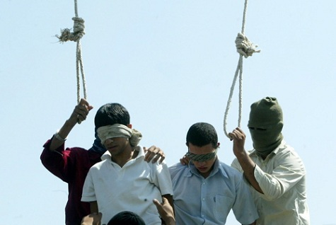 gay-iranian-execution-mashad-july-20051