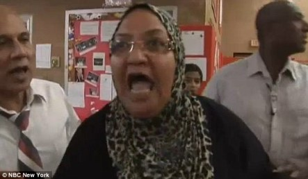 angry-muslim-mom