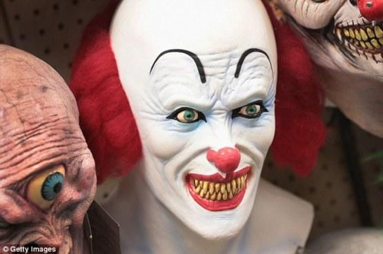 creepy-clown-mask